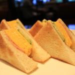 支留比亜珈琲店 - 料理写真:タマゴはふわふわ