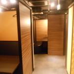 関内 個室肉バル 颯 - 店内2