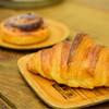マニュファクチュア - 料理写真:クロワッサン@税込230円:さっくり食感。そして、ふっくら。芳醇なバターの香りに誘われる。
