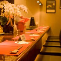 鉄板焼 SHOW - カウンター席は全14席で一人でも多くのお客様に極上黒毛和牛ステーキをご堪能頂きたく多めに設計しました