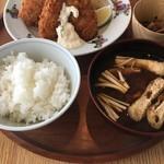 d47食堂 - 味噌汁とご飯