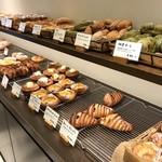 パンやきどころ RIKI - 11:00の訪問では、もうかなり減っていますね(2017.10.7)