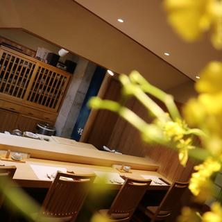 鮨の味を引き立てる名酒あり。おすすめは京都伏見の<玉乃光>