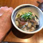 寿製麺 よしかわ - いわし丼は小さめだが思ったより量はある