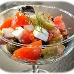 エール ビアアンドピッツァ - トマト&オリーブ&フェタチーズのマリネ