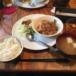 CAFE TARO - 日替わりランチ ミンチ、ポテト、ピーマン、玉葱のナポリタン炒め
