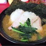 王道家 - ラーメン大盛+チャーシュー2枚  ¥900-