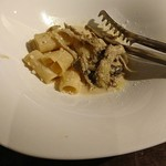 L'espiégle - ボルチーニ香るクリームソース(リガトーニ)