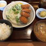 満天食堂 - カキフライ定食*豚汁に変更 ¥830