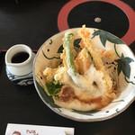 京そば処 志乃崎 草津西店 - 梅とろろが天ぷらそば