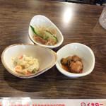 韓国家庭料理 イタロー - おかず3品