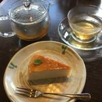 74377948 - ガレットランチ  デザート                       蕎麦粉のチーズケーキ