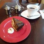 jua cafe - キャラメルバナナケーキのコーヒーセット