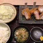 とんかつ一頭揚げ 亀かわ - 三種盛 亀かわ定食