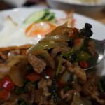 タイ料理レストラン Tha Chang - ガパオには唐辛子たっぷり!