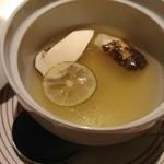 メゾン・ド・ユーロン - 本日のキノコの蒸しスープ