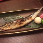 74385776 - 秋刀魚の塩焼き