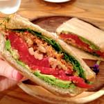 野菜がおいしいカフェ LONGING HOUSE - サンドウィッチランチ ¥1,480(税込)
