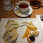 74389205 - サンドセット、紅茶付き