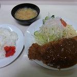 ニューほり江 - ビーフかつ定食