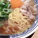 丸源ラーメン - 肉そば(麺のアップ)