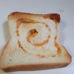 一本堂 - 国産小麦のうまみとチーズのほのかな香りが楽しめる食パンです。