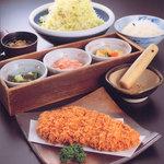 開花亭 - 料理写真:熟成ジャンボロースかつ定食