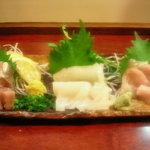 亀ちゃん - 刺身三点盛り:イカ、金目鯛、いわし(1,000円)