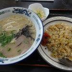 まーちゃんラーメン - 焼飯定食(850円)