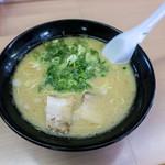 みっちゃんラーメン - 料理写真:ラーメンは550円。今回は餃子4ヶとセットの「Bランチ」(600円)でいただきました。