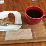 ファブカフェ - 季節のタルトとホットコーヒーで1,110円!