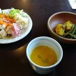 スパイスガーデン - サラダバーとスープ