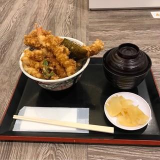 日本橋 天丼 金子半之助 川崎ラゾーナ店 - 江戸前天丼。 税込1050円。 美味し。