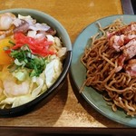 丹後 - 料理写真:海の幸天 720円 + モダン焼き 250円