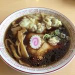 しょうや - 料理写真:中華そばワンタン入り