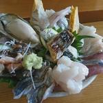 海幸オーシャンフィッシュ - 料理写真:海幸丼