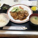 レストラン トラウト - 豚の生姜焼き定食