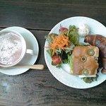 カフェ プルドゥ - 【ランチ】フォカッチャ&塩パン