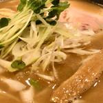麺や 阿吽 - 秋刀魚麺(\810) トロッとした口当たりでクセの無い秋刀魚感