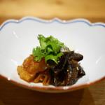 一碗水 - 生木耳、花クラゲの乾煎り