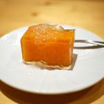 一碗水 - 柿のゼリー寄せ