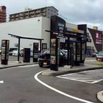 マクドナルド - この店舗のドライブスルーの受付用のレーン。
