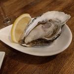 魚介ビストロ sasaya - 室津の生牡蠣