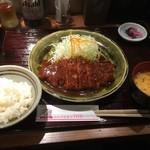 名古屋名物 みそかつ 矢場とん - ロースかつ定食1080円税別