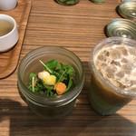 ディヴァージュサイドカフェ - ドリンクMとサラダ
