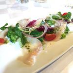 74436890 - 鮮魚のカルパッチョ(金目鯛) 季節のサラダを添えて
