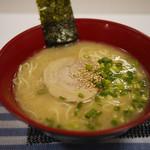 赤のれん クーニャンラーメン - 料理写真:とんこつラーメン~☆