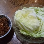 旬菜料理 緒川 - キャベツじゃこみサラダ  450円