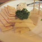 ビストロ ドンナ - チーズ三種盛り合わせ