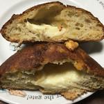 VIRON - じゃがいもとモッツァレラチーズのフォカッチャ ハーフサイズ 断面